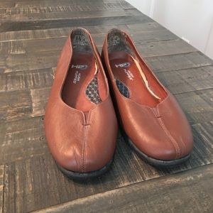 Hush Puppies HPo2 Size 8 Wide Leather Loafer EUC